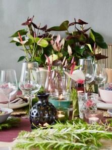 Kerst decoratie en tafel styling met Anthurium © Susanne Zum Vorde - Bolkestein | StijlvolStyling.com by SBZ Interieur Design
