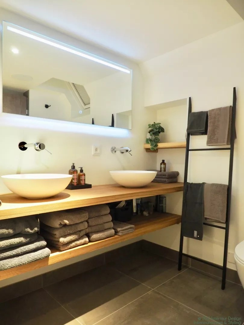 Bekend Interieur | 10 tips om je kleine badkamer groter te laten lijken  #EM33