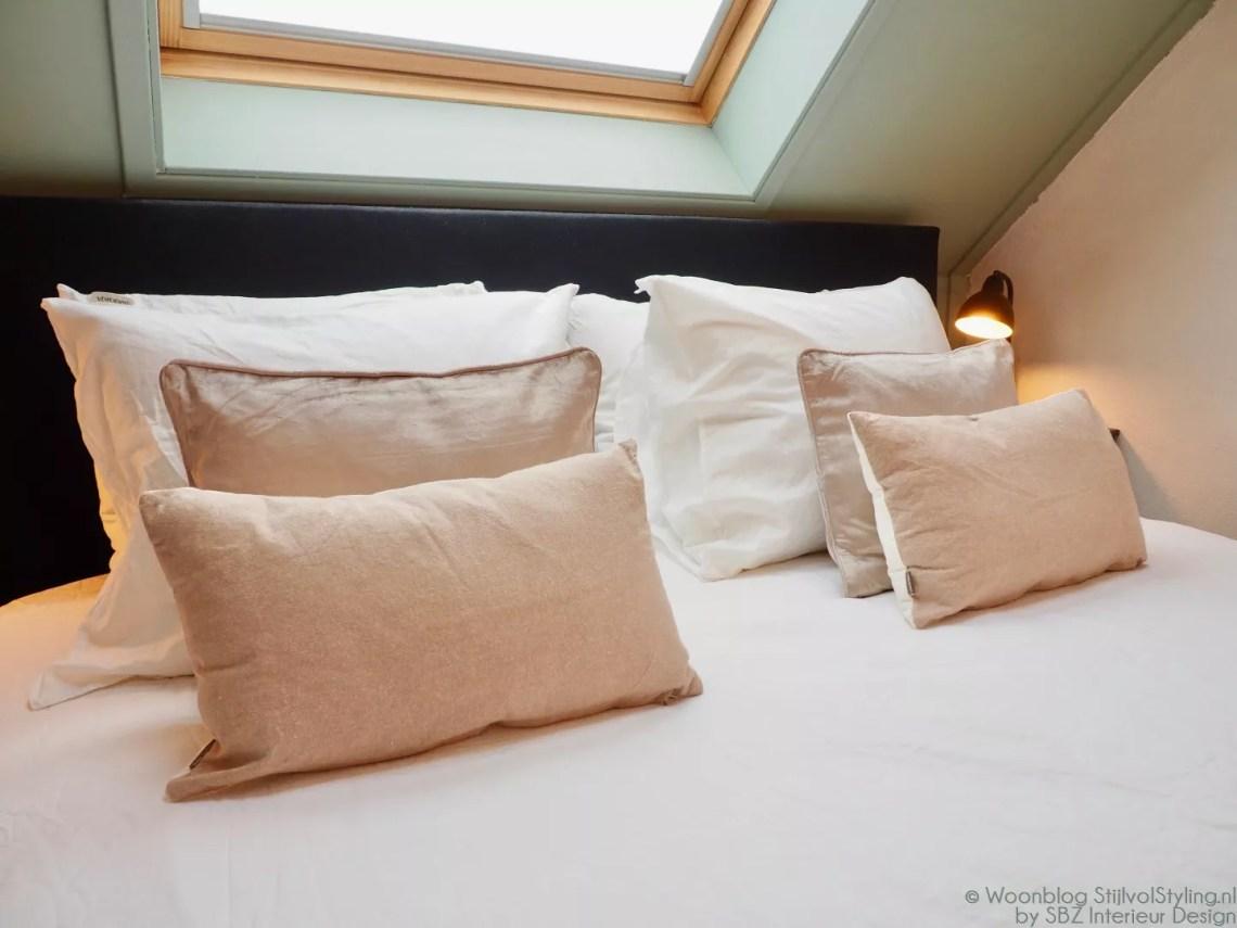 Interieur | Slaapkamer styling met het mooiste bedtextiel - StijlvolStyling.com - Interieur styling en foto's door © sbzinterieurdesign.nl