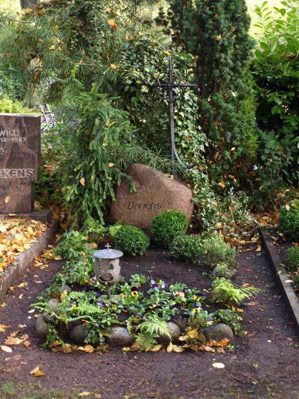 Grabpflege  Stilblte und Blumen Derichs Baesweiler