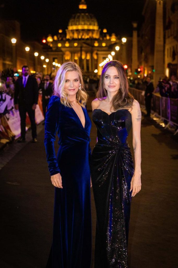 Michelle Pfeiffer e Angelina Jolie per Maleficent
