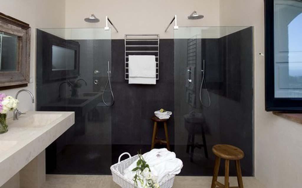 Il bagno in Sicilia ricrea un arredamento vulcanico con la pietra lavica  Blog Stile Bagno