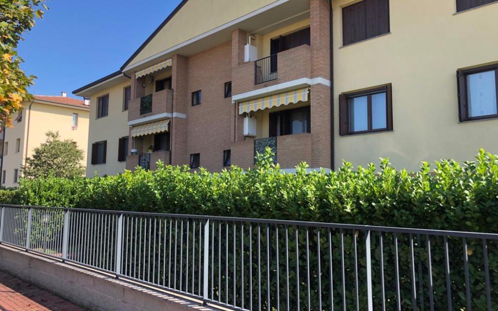 Appartamento su due livelli con ampio giardino