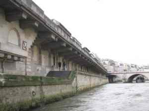Romantic walk Paris