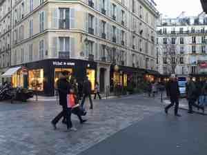 Calle de tiendas de Le Marais - París