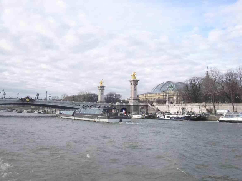 Valentine cruise Paris