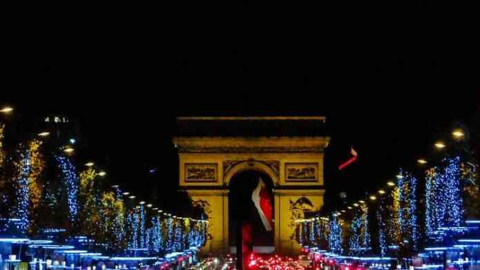 Champs Elysees Weihnachtsbeleuchtung in Paris