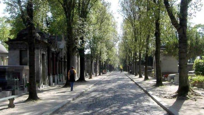 Friedhof Père Lachaise: Grabkarte, Öffnungszeiten