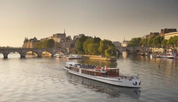 Luxury dinner cruise by Yachts de Paris