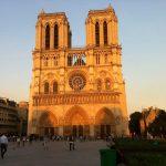 Parvis Notre Dame Paris