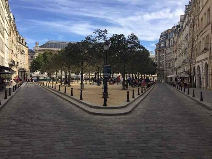 Place Dauphine Paris