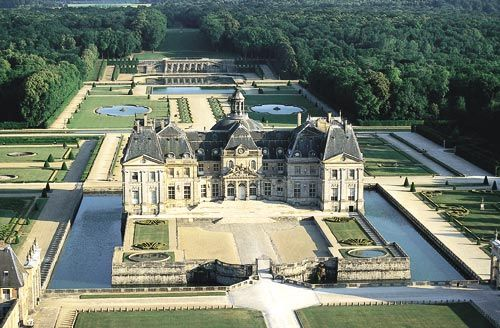 Chateau de Vaux-le-Vicomte seen from the air