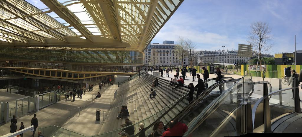 Forum des Halles Mall am Sonntag in Paris