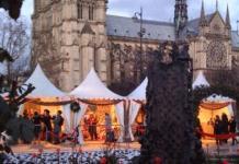 Xmas Market at Notre Dame de Paris