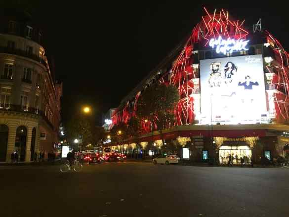 Iluminación de París en noviembre