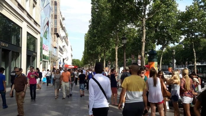 Champs-Elysées: Sehenswertes und Aktivitäten