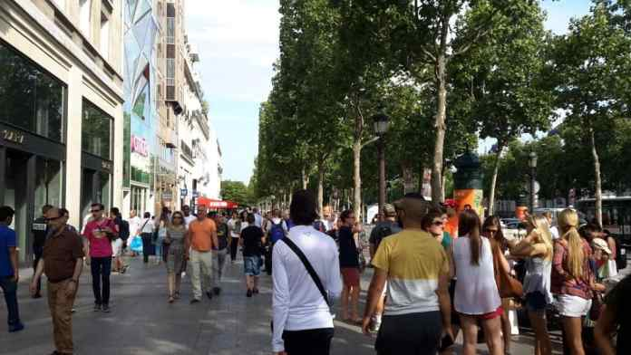 Shopping auf der Champs-Elysees