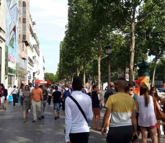 Shopping en Campos-Elyseos en París