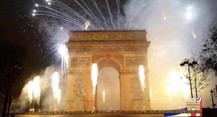 Silvester in Paris 2019 Feuerwerk