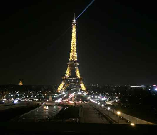 에펠탑 밤의 전경 - 4~5일간의 파리 여행