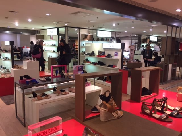 Tienda de zapatos para mujer en BHV Paris