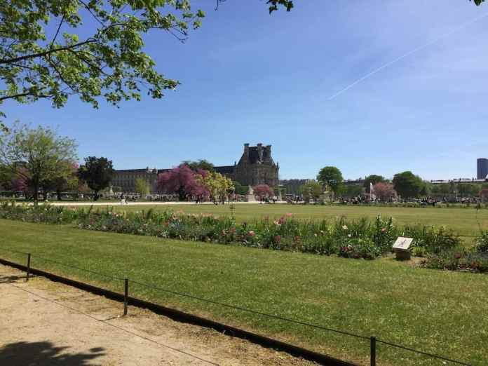 Jardin des tuileries en París