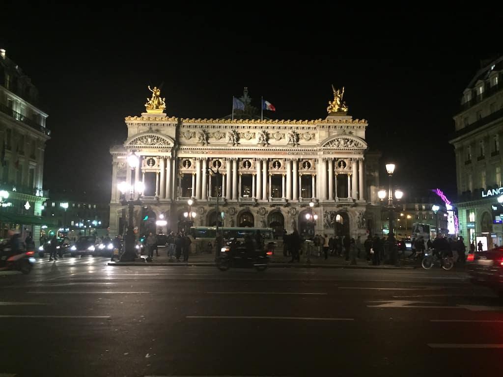 Opéra Garnier bei Nacht