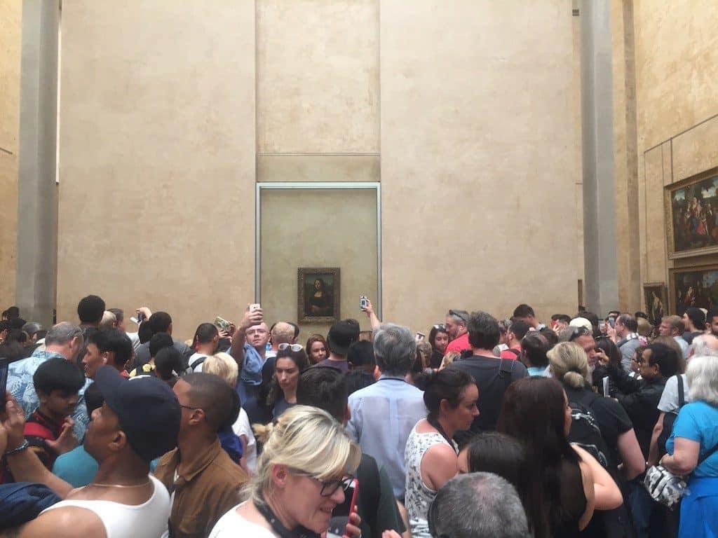 Multitud en el Louvre por la Mona Lisa