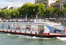 Vedettes de Pont Neuf en París