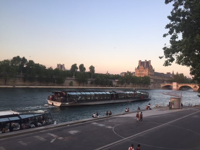 Bateaux Parisiens Luxury dinner Cruise
