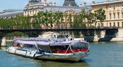 Bateaux Mouches® Lunch cruise Paris: prices, review, route