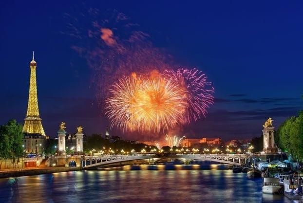 Crucero por el Sena del 14 julio en París