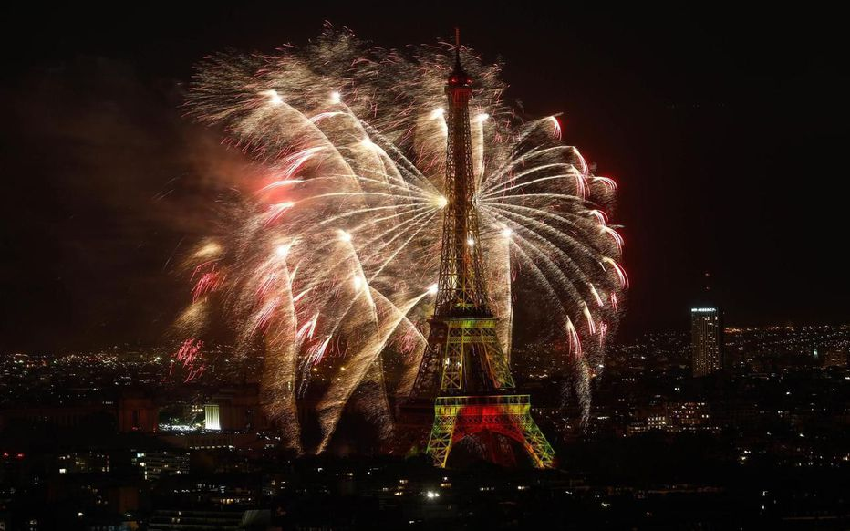 Fuegos artificiales del 14 de julio en París