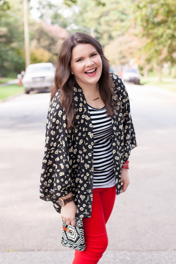 Red jeans from Stitch Fix, Daisy floral kimono from Stitch Fix, black and white striped tee (4)