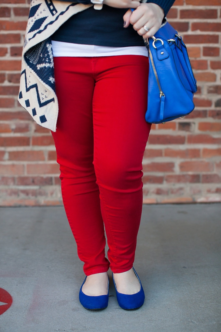 Winter / Fall style | red jeans, blue bag, Root Collective ballet flats, blue and red aztec cardigan, Nickel and Suede earrings | North Carolina Fashion Blogger (5)