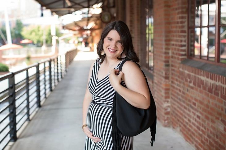 Striped maxi dress, black fringe bag - Maternity / Pregnancy Style (5)