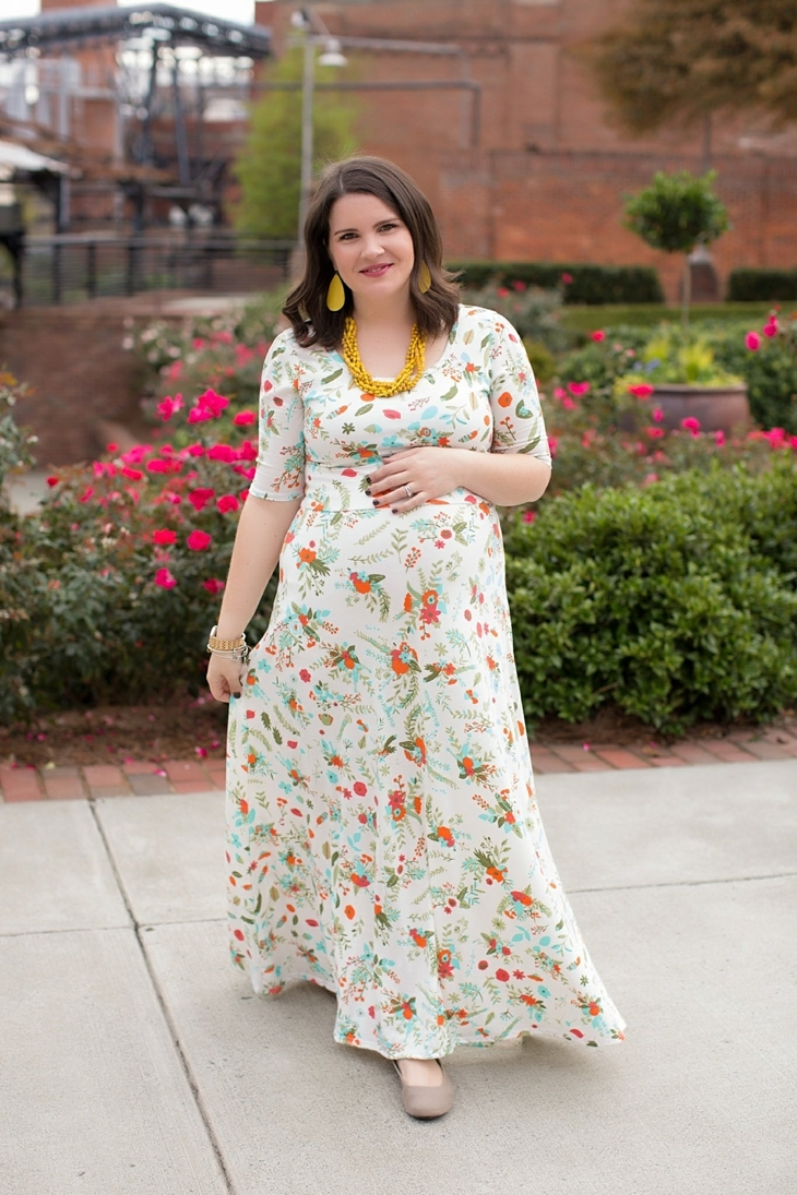 LulaRoe floral Ana dress, yellow accessories, Nickel and Suede earrings, Root Collective shoes, maternity, fall, fashion (4)