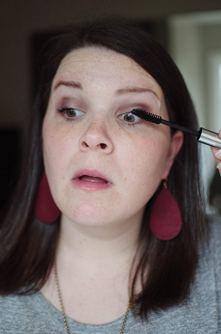 Simple Holiday Plum-Inspired Makeup Tutorial with NEUTROGENA Cosmetics (14)