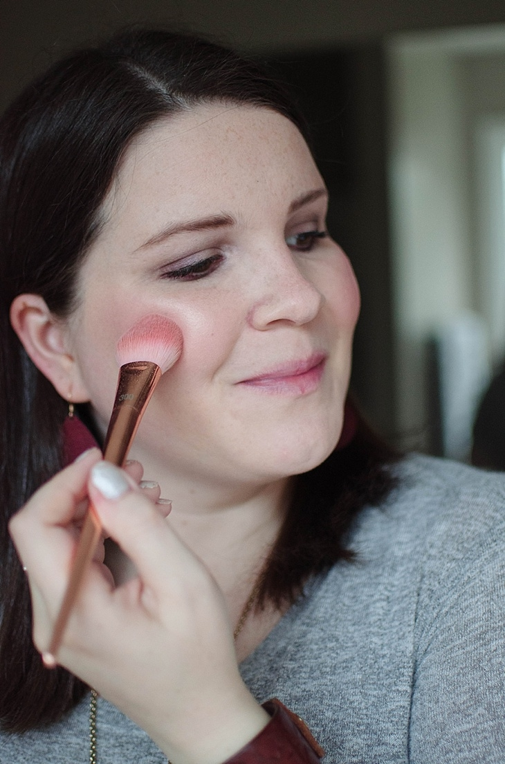 Simple Holiday Plum-Inspired Makeup Tutorial with NEUTROGENA Cosmetics (12)