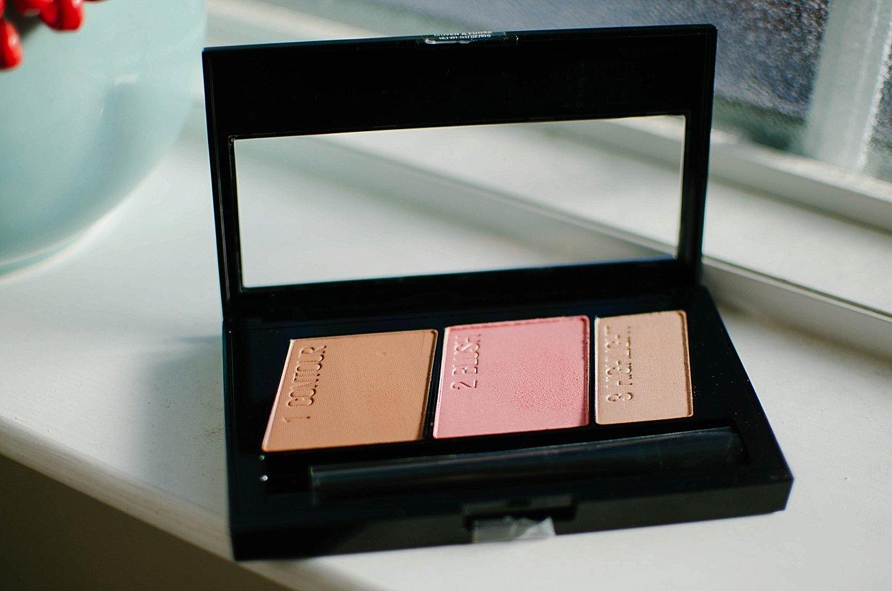 Looks to Love Makeup Tutorial - Maybelline - #MNYLooksToLove (7)