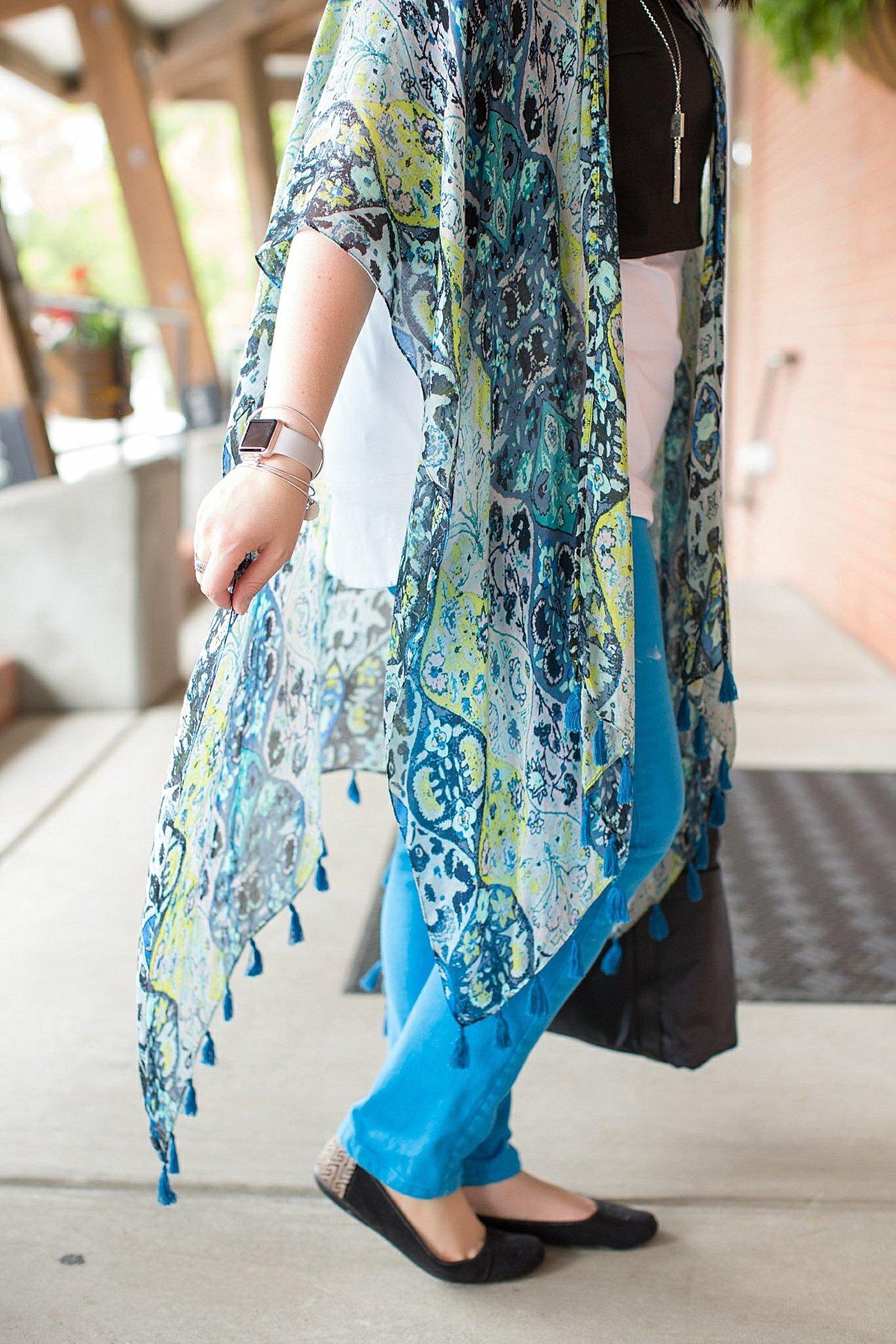 "Threads 4 Thought ruana, Elegantees ""Riley"" tee, Margaret M Stitch Fix jeans, Lily Jade diaper bag   North Carolina Fashion Blogger (2)"