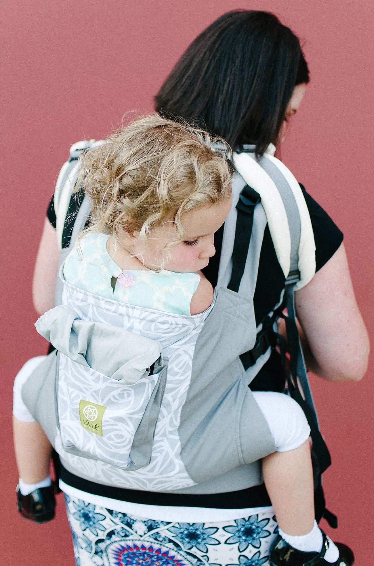 with Lillebaby Complete & CarryOn Baby Carriers #babywearing #tandemwearing #toddlerwearing (12)