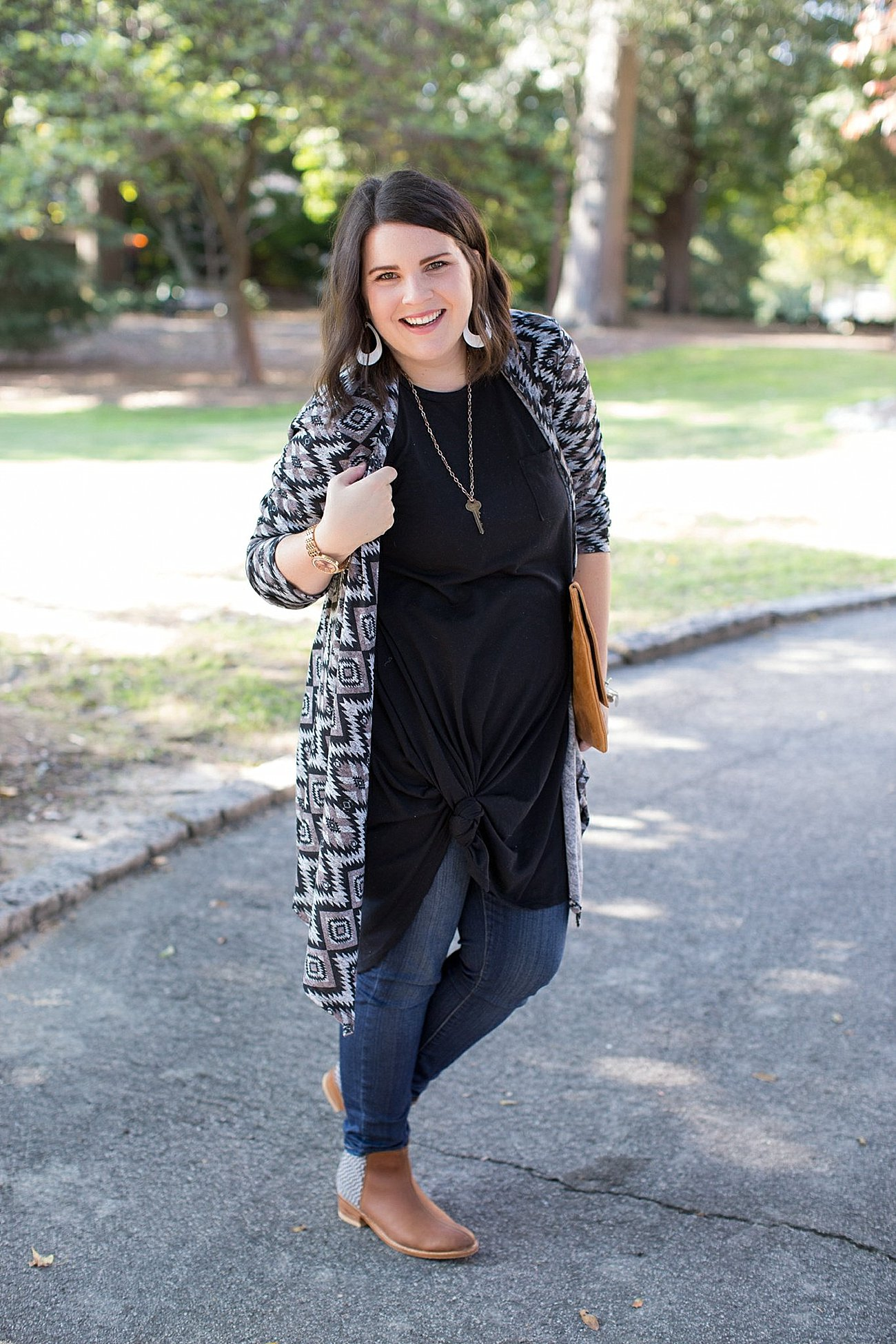 Lularoe Carly dress, skinny jeans, The Root Collective Espe booties, The Flourish Market cardigan (6)