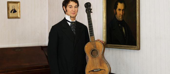 Franz Xaver Gruber, um professor de música que compôs a melodia da música Stille Nacht em 1818