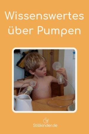Ein kleiner Junge erforscht eine Milchpumpe