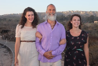 Prem Carlisi with his 2 daughters