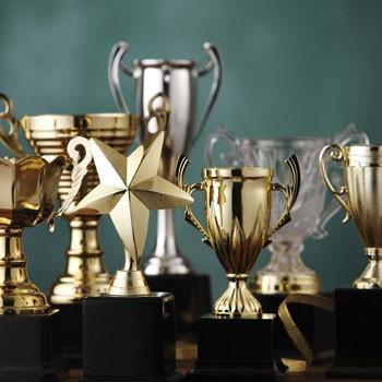 Sportovní poháry a medaile