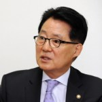 """[시사] 박지원 """"박 전 대통령 천인공노할 일 해서 법대로 구속재판 받아야"""""""