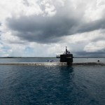 북 미사일에 대한 경고. 부산에 모습 드러낸 미 핵잠수함