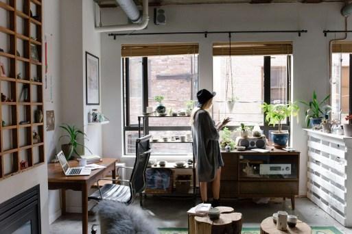 用家具堆疊出空間的氛圍